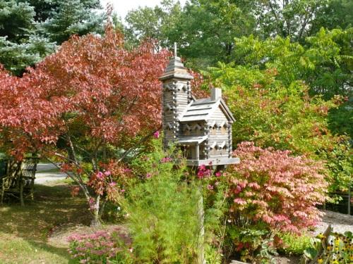 Birdhouse created by Jean Long