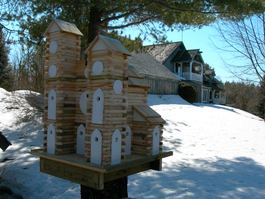 Men who build stuff cynthia reyes for How to build a birdhouse out of wine corks