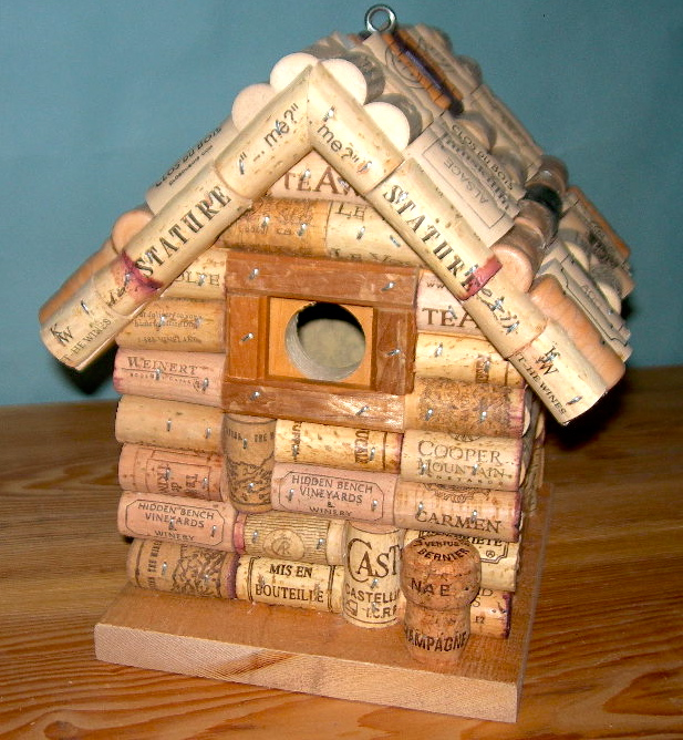 Pdf diy bird house plan made out of wine corks download for How to build a birdhouse out of wine corks