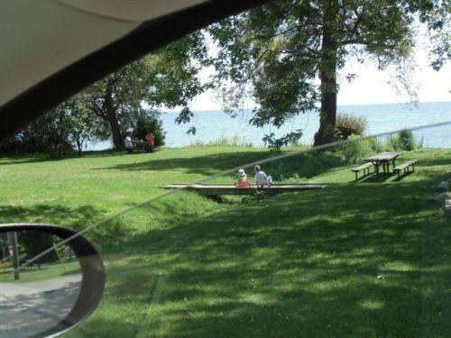 Blog Photo - Bond head family playing by lake