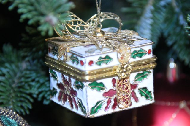 Blog Photo - Christmas Ornaments Gift Box