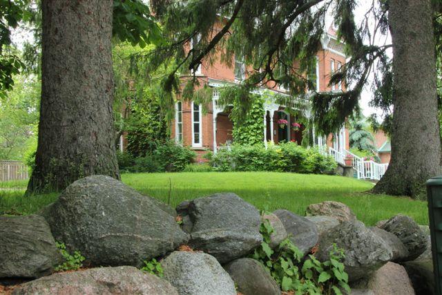 Blog Photo - House Ravenscraig side view from sidewalk