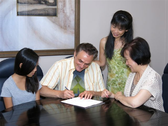 Blog Photo - Loraine and clients at home