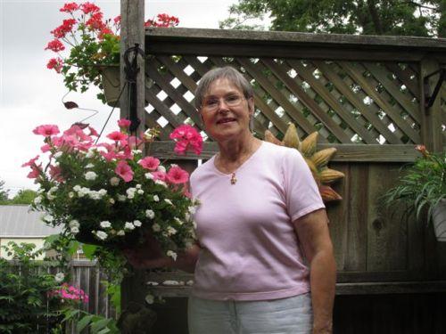 Blog Photo - Gundy Schloen in her garden - photo by P. Schloen