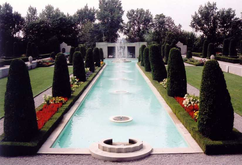 Blog Photo - Parkwood Fountains and teahouse