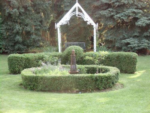 Blog Photo - Garden Circle