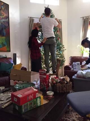 blog-photo-christmas-2016-lighting-the-tree1