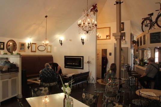 Blog Photo - SOS Lounge Wide shot